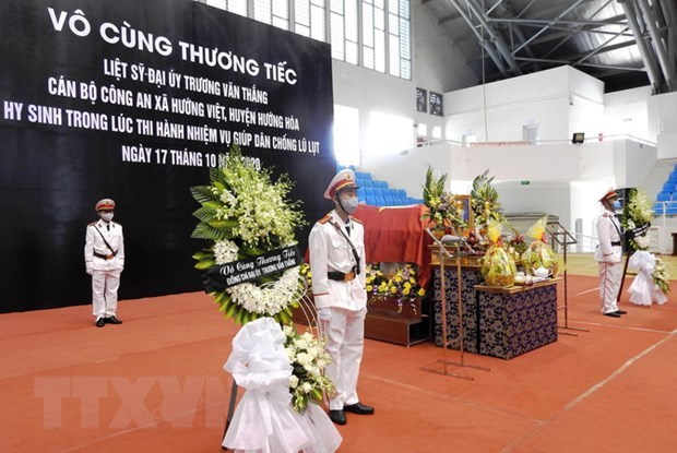 PM praises public security force's efforts in search, rescue activities hinh anh 1