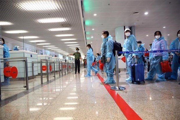 Ten more imported cases of COVID-19 reported on November 10 hinh anh 1