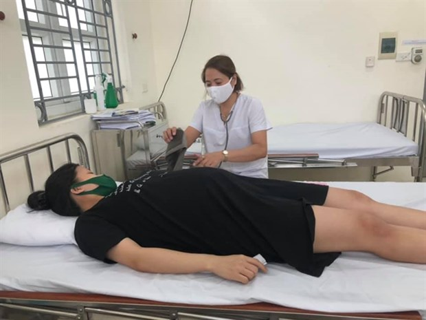 Commune-level clinics strive to attract local patients hinh anh 1