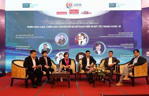 Business urged to take a pioneering role in digital transformation hinh anh 1