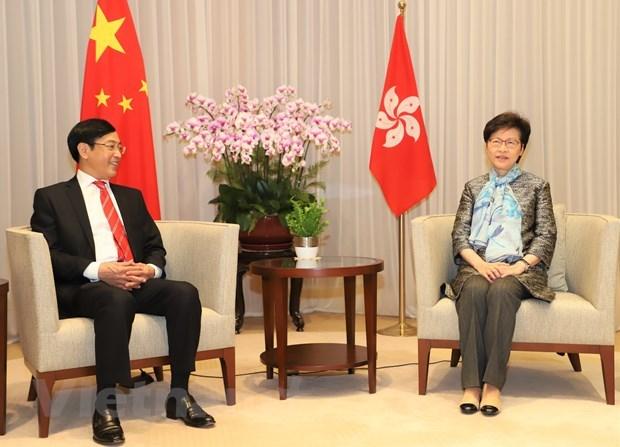 Hong Kong Chief Executive receives outgoing Vietnamese Consul General hinh anh 1