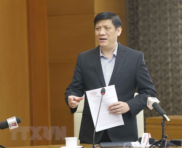 Minister urges tightening of COVID-19 measures hinh anh 1