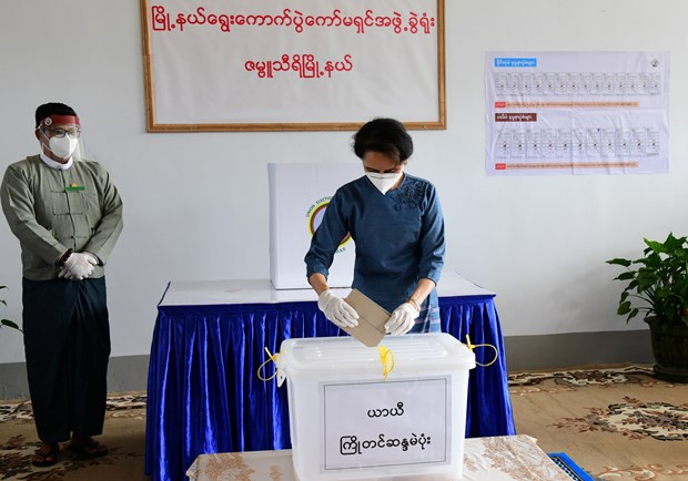 Myanmar's ruling party wins enough seats to form new government hinh anh 1