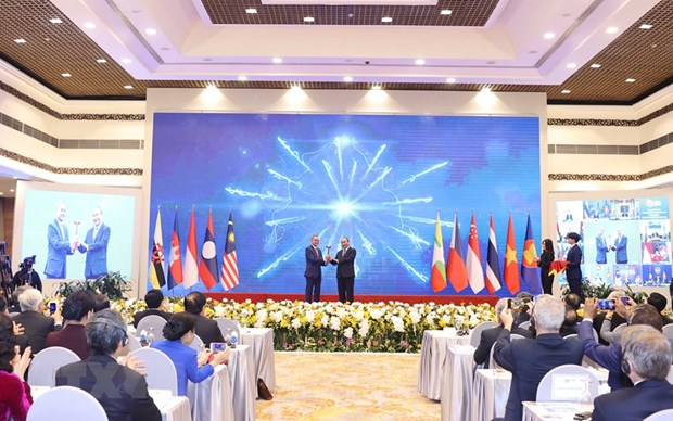 Foreign delegates commend outcome of 37th ASEAN Summit and Related Summits hinh anh 1