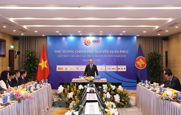 PM meets sponsors of 37th ASEAN Summit and Related Summits hinh anh 1
