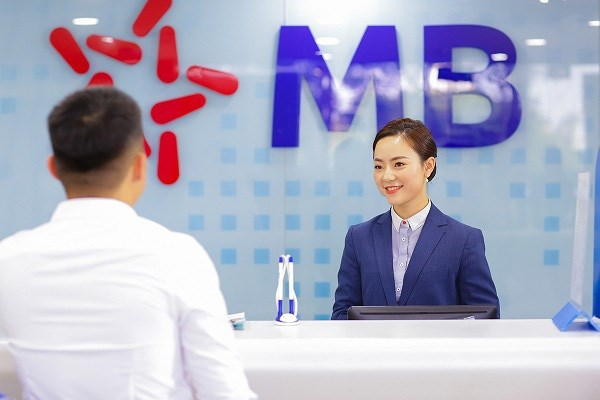 Banks raise foreign ownership ratio to improve financial strength hinh anh 1