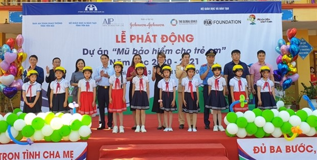 Helmets for Kids programme to expand to rural communities in 3 provinces hinh anh 1