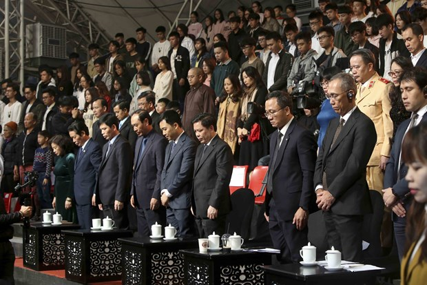 Deputy PM calls for creating safe road traffic environment hinh anh 2