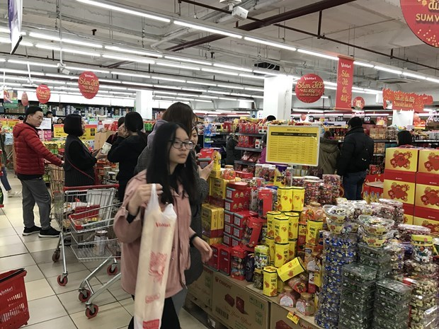 Retailers rush to expand market share hinh anh 1