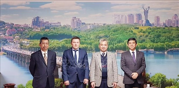 ASEAN ambassadors promote partnership with Ukraine hinh anh 1
