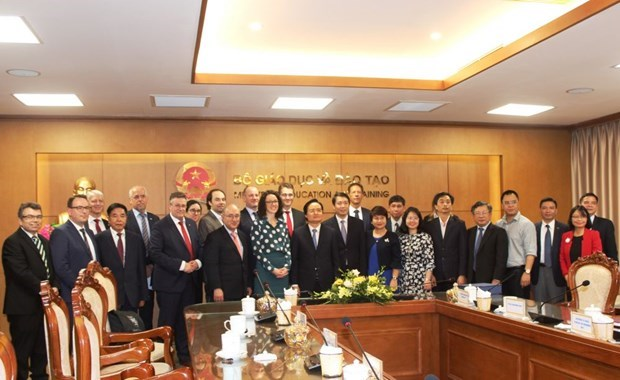 Germany to grant scholarships to 200 students of Vietnamese –German University hinh anh 1