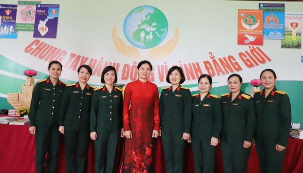 Rate of female military officers up in last five years hinh anh 1