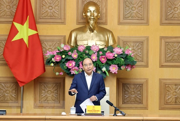 PM urges garment, footwear sectors to build brands, promote supply chain linkages hinh anh 1