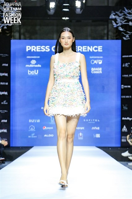 Vietnam Int'l Fashion Week to open in HCM City next month hinh anh 1