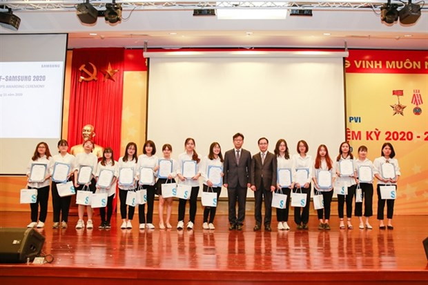 Samsung Vietnam helps develop Korean studies in Vietnam hinh anh 1
