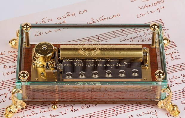 Swiss music box features Vietnam's national anthem hinh anh 1