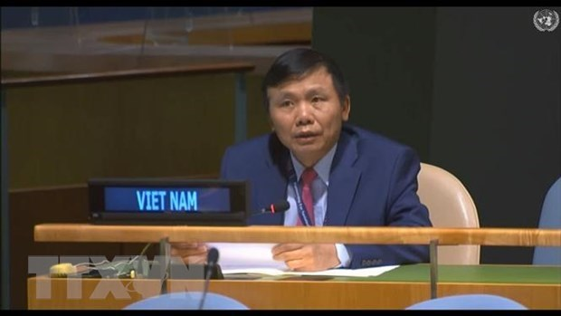 Vietnam calls for end to unilateral coercive measures hinh anh 1