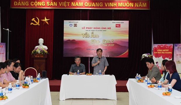 Vietjet brings cosy Tet to 1,000 children hinh anh 1