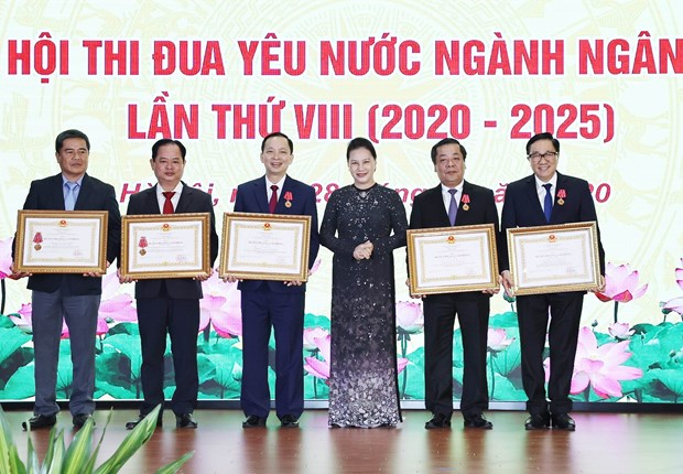 Banking sector holds 8th patriotic emulation congress hinh anh 1