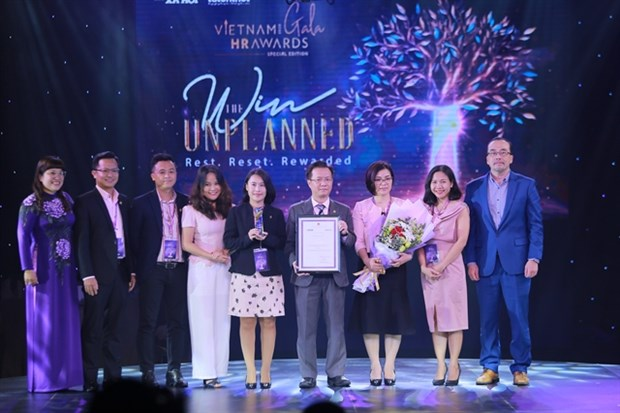 Companies, individuals receives HR honours hinh anh 1