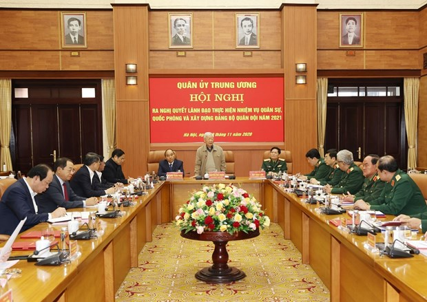 Party leader chairs Central Military Commission meeting hinh anh 1