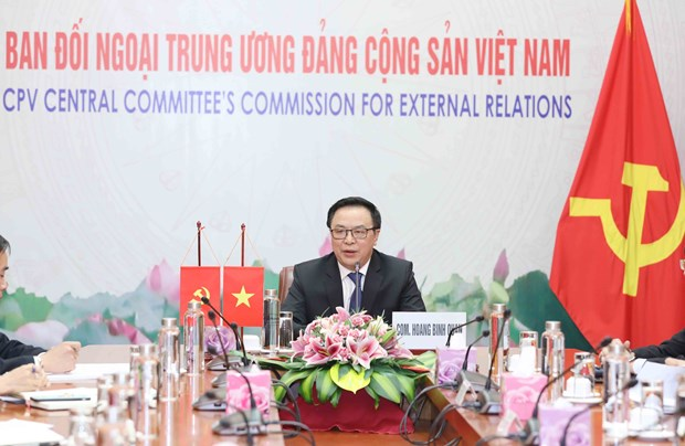 Vietnamese, Chinese Party officials hold talks virtually hinh anh 1