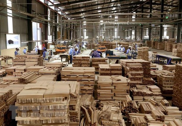 Wood sector confident of achieving export target of 13 billion USD hinh anh 1