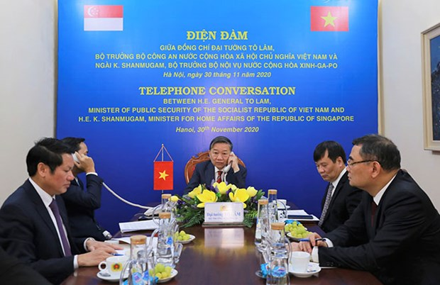 Vietnam, Singapore bolster security cooperation hinh anh 1