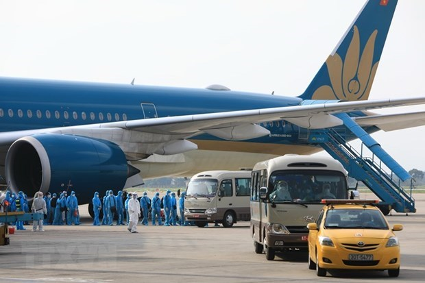 Int'l flights to be suspended for violations of COVID-19 prevention hinh anh 1