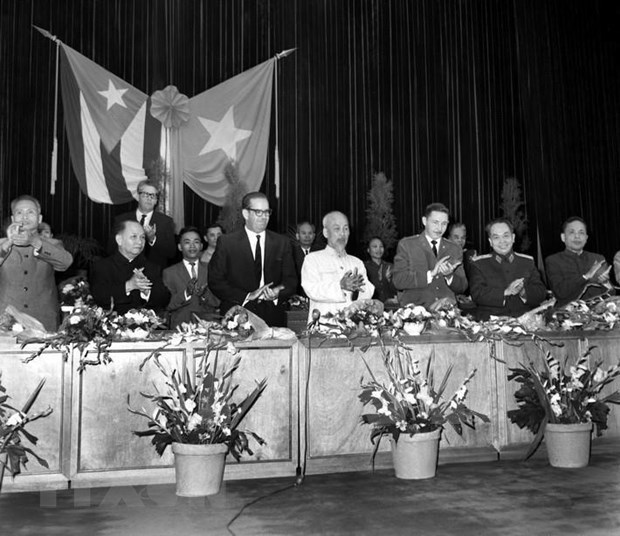 Vietnam, Cuba write new pages in glorious history hinh anh 1
