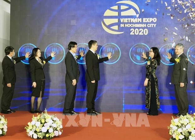 Vietnam Expo uses online booths amid COVID-19 hinh anh 1