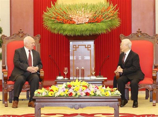 Top leader receives outgoing Russian Ambassador hinh anh 1