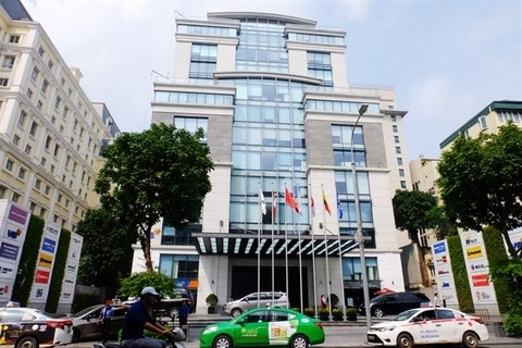 Foreign investors see opportunities in Hanoi office building hinh anh 1