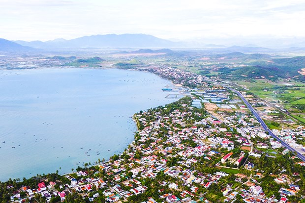 Khanh Hoa aims for GRDP growth of 7.4 percent next year hinh anh 1