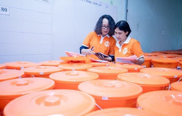 UNFPA earmarks additional 800,000 USD for flood-affected women, girls hinh anh 1