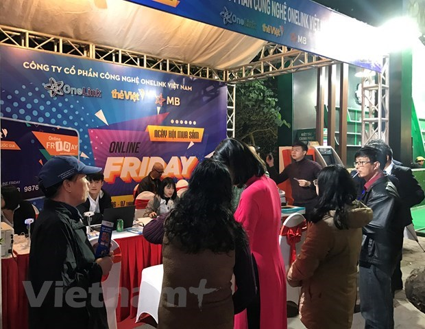 Over 3.7 million orders recorded on Online Friday hinh anh 1