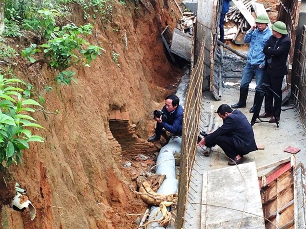 Ancient tomb excavated in Ha Tinh hinh anh 1