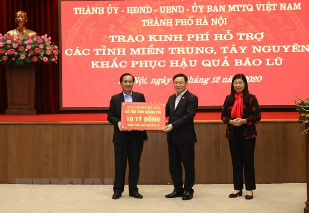 Hanoi grants nearly 4 mln USD to disaster-hit provinces hinh anh 1