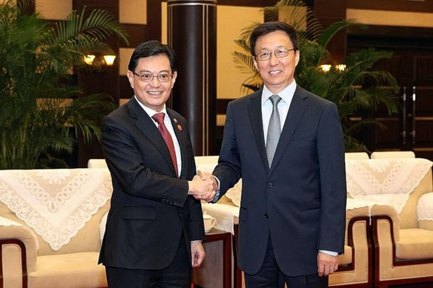 Singapore, China ink multiple cooperation deals hinh anh 1
