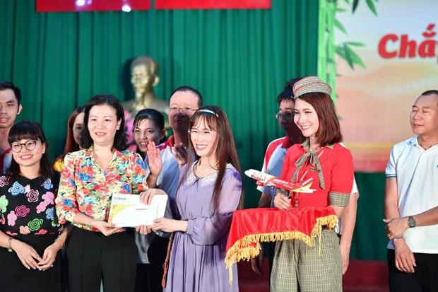 Vietjet honoured for supporting disadvantaged children hinh anh 1