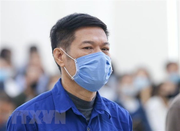 Former CDC Hanoi director sentenced to 10 years in jail hinh anh 1