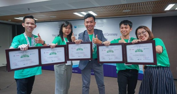 Youth ideas for cleaning ocean awarded hinh anh 1