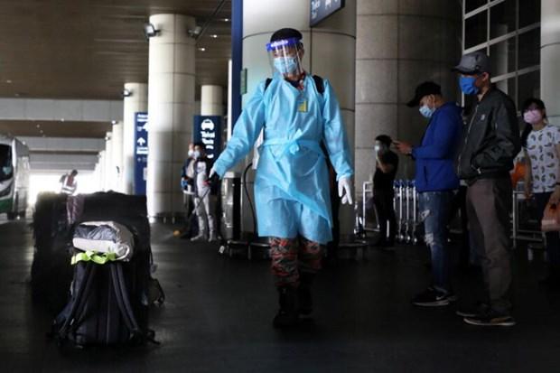 Malaysia shortens quarantine period to ten days hinh anh 1