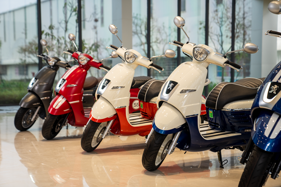 Thaco, Peugeot cooperate to manufacture motorcycles hinh anh 1