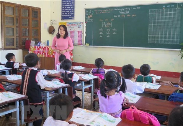 Quang Tri children voice opinions at forum with NA deputies hinh anh 1
