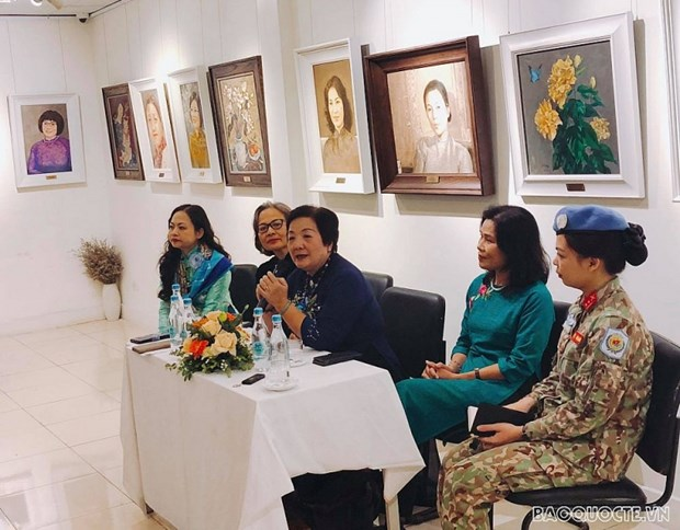 Seminar on women conducting diplomacy for peace held hinh anh 1