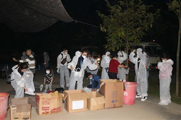 Close to 180 Vietnamese citizens repatriated from Brunei hinh anh 1
