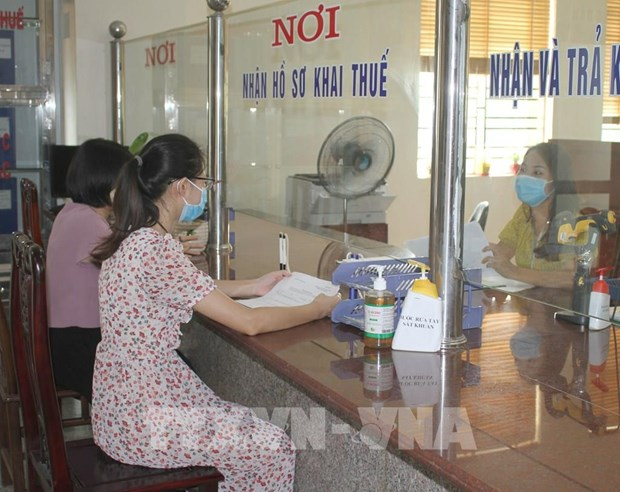 Forum discusses tax policy supporting businesses hinh anh 2