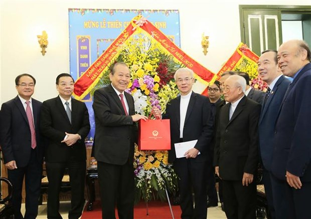 Deputy PM extends Christmas greetings to Catholics hinh anh 2