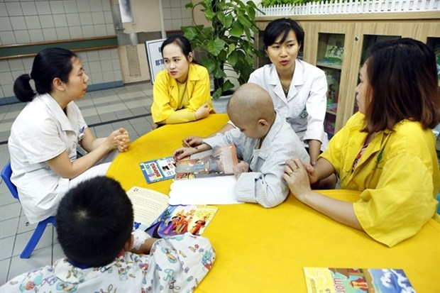 Hospitals benefit from great development in social work system hinh anh 1